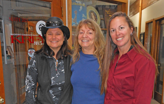 Nicole Blaze (left), Suzy Prez (center),  and Mo Kelly (right)